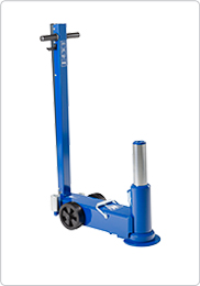 Single stage air hydraulic jack for agricultural and contractors' machinery